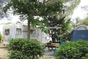 camping municipal castelsec et ch lets p zenas h rault. Black Bedroom Furniture Sets. Home Design Ideas
