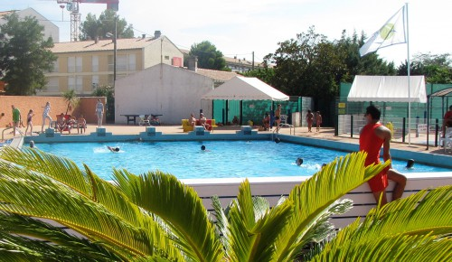 Piscine municipale pezenas camping municipal castelsec p zenas h rault - Pezenas piscine ...